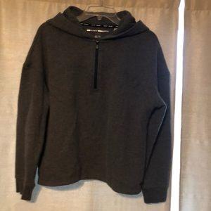 Sweatshirt hooded half zip